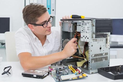 computer expert