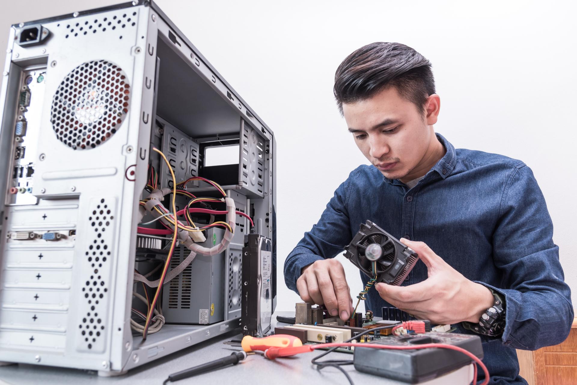 computer repair technicians